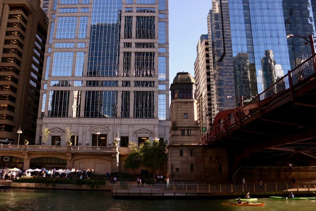 "Looking at a building with ""greek revival"" architecture style from the Chicago River. ©KettiWilhelm2019"