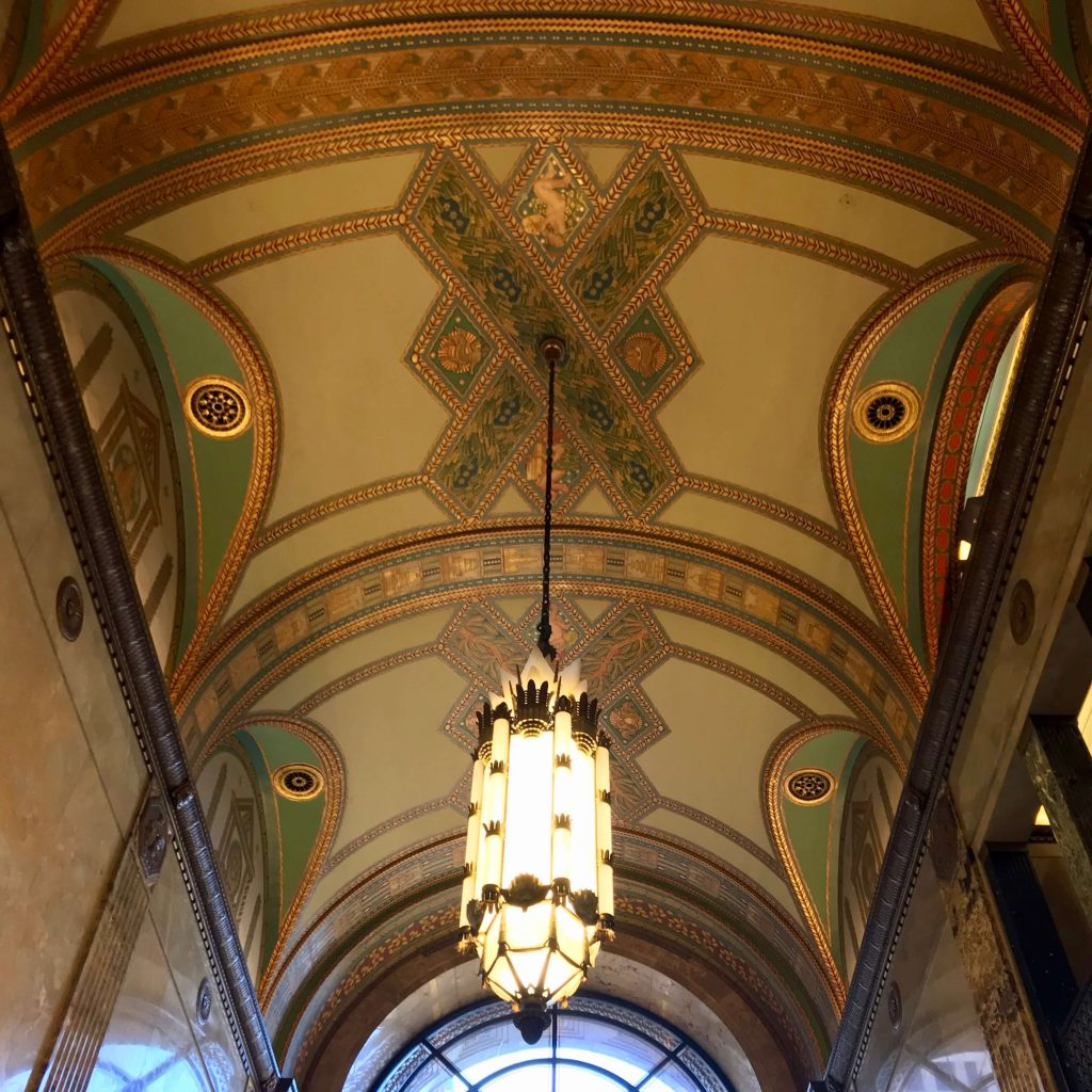 Painted ceiling inside the Fisher Building, near the only passenger train station in the US city of Detroit. ©KettiWilhelm2019