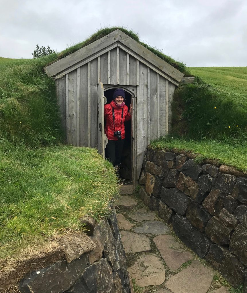 An Icelandic bathroom (an outhouse) with no light switch – so no possibility of culture shock confusion. ©KettiWilhelm2018