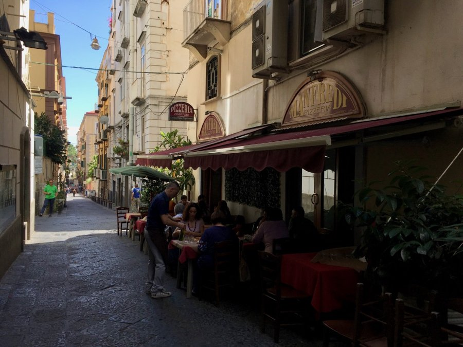 Manfredi Pizzeria and Osteria – in my humble opinion, the best place for pizza in Naples. ©KettiWilhelm2020