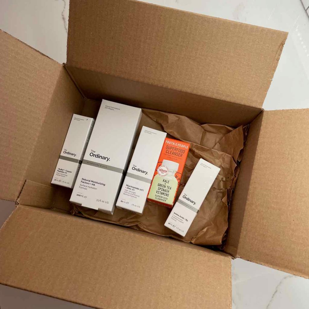 Looking down at the cardboard shipping box from Sephora, the online beauty retailer that uses plastic-free packaging. ©KettiWilhelm2021