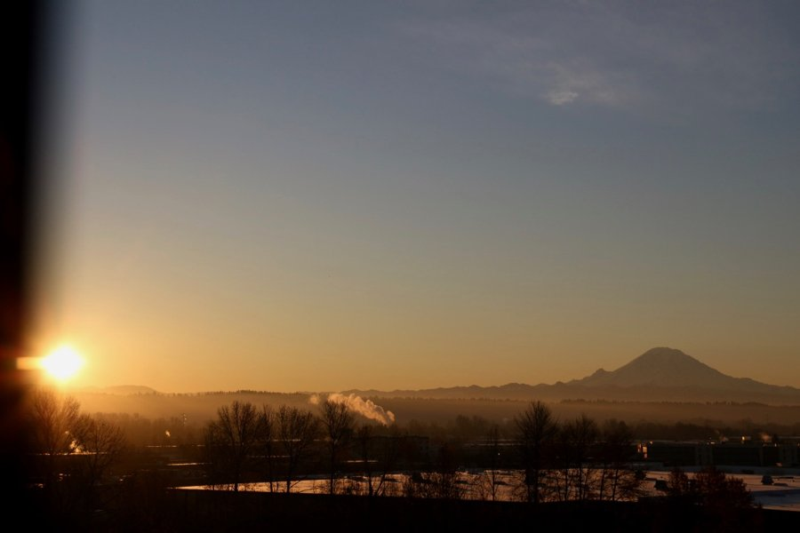A view of Mt. Rainier from my SeaTac airport hotel on the way to Hawaii. ©KettiWilhelm2020