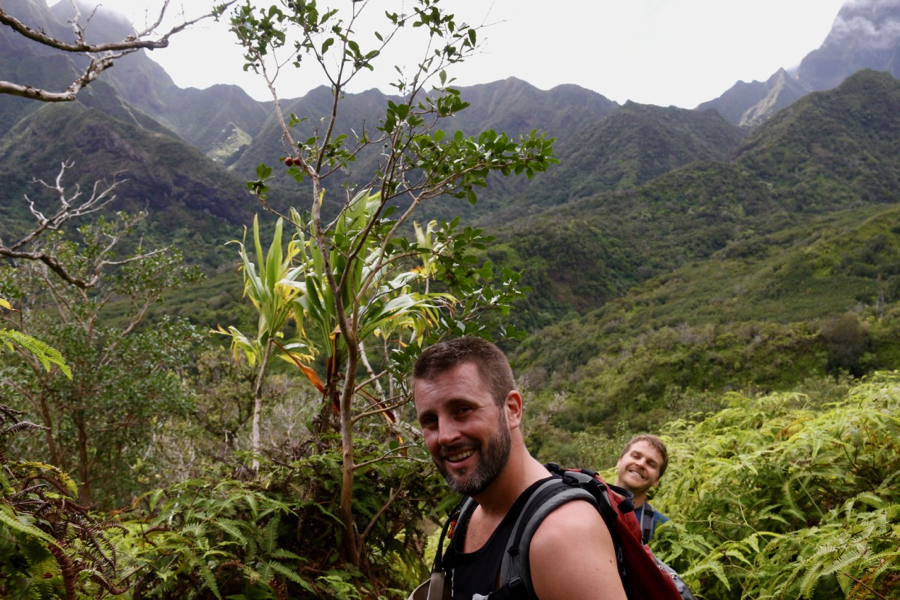 The author's husband and cousin, sweating their way up a mountain on Maui, surrounded by jungle. ©KettiWilhelm2021