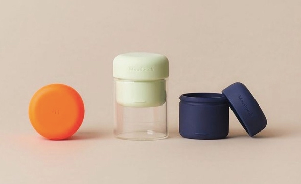 byHumankind's refillable, plastic-free mouthwash tablet container – made of glass and silicone. (Image courtesy of byHumankind.)
